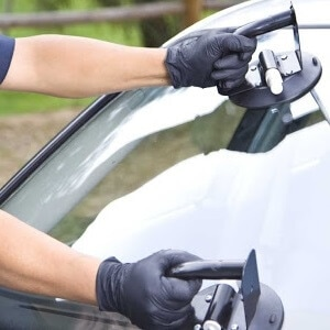 windshield repair in Downey CA mobile service