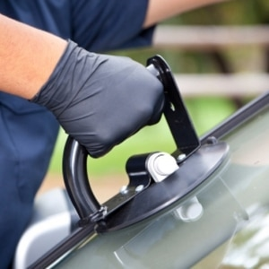 windshield repair in Los Angeles, CA mobile service